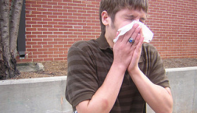 man sneezing, boost the immune system, boost your immune system, air ambulance, air ambulance jet, medical flights, foods that boost your immune system, foods that boost the immune system